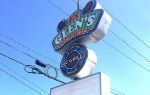 Pittsburgh-environmental-graphics-glens-custard-gc-grill-outdoor-signs