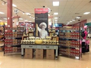 pittsburgh-package-design-pasta-too-sauce-giant-eagle-display